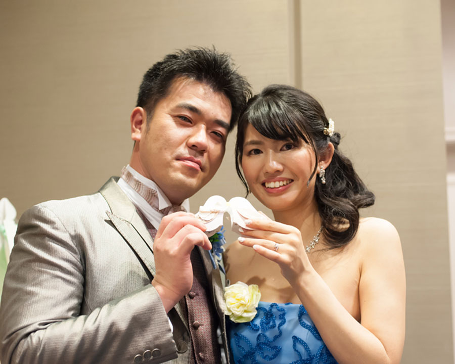 桜木町で結婚式二次会をした新郎新婦