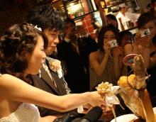結婚式二次会で生ハム入刀