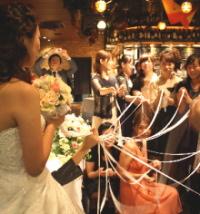 結婚式二次会でブーケプルズ