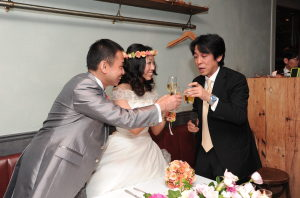 結婚式二次会の乾杯